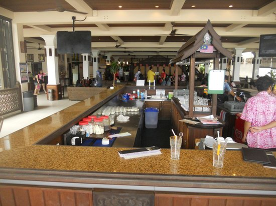 Laguna Redang Island Resort: Bar area in the resort