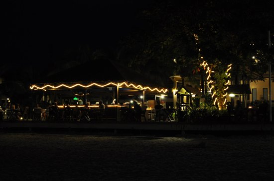 Laguna Redang Island Resort: Bar by the beach