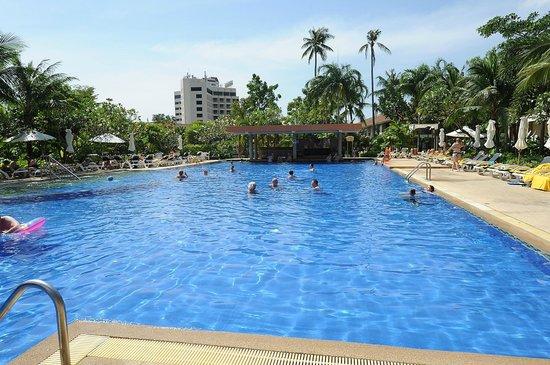 Centara Karon Resort Phuket: Poolen
