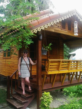 Nice Moon Resort: Our little wooden bungalow