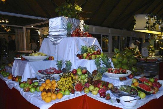 Club Med Kani: Fruit corner