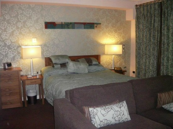 Whitbarrow Village: arge comfy bed