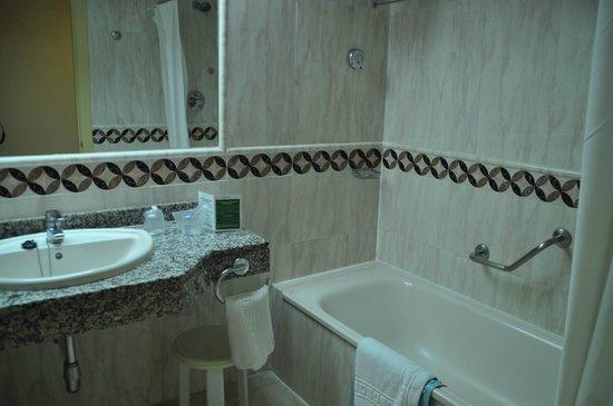 Yaramar Hotel: Salle de bain
