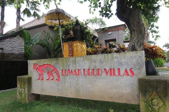 Luwak Ubud Villas: Front of Luwak Ubud Villas 