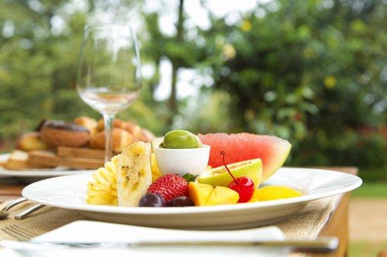 Bungalow by Amaya: Outdoor breakfast