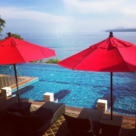 Aquamarine Resort & Villa: View over pool