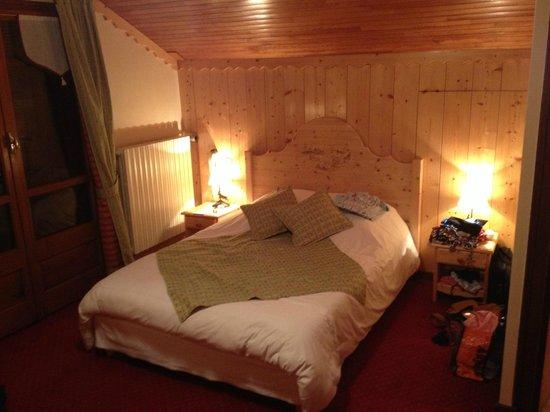 Hotel Les Prodains: Chambre