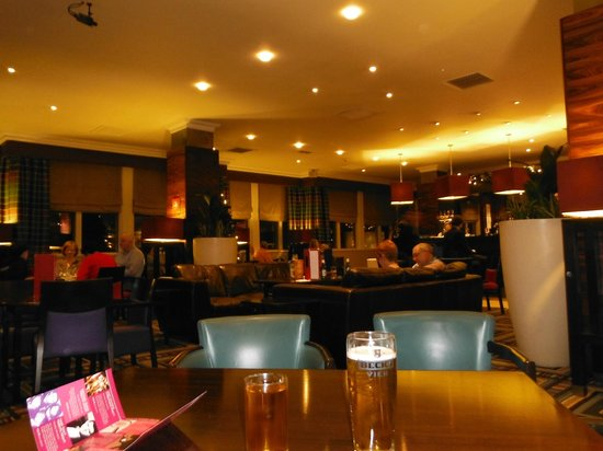 Crowne Plaza Chester: Main Bar