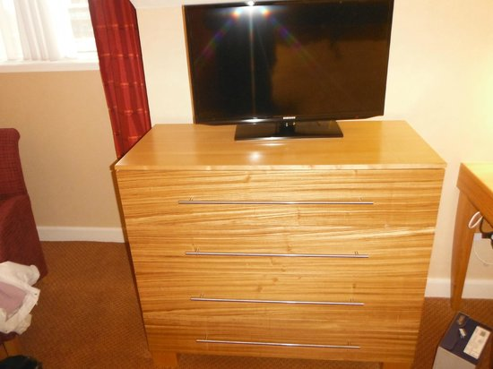 Crowne Plaza Chester: TV Unit in exec room