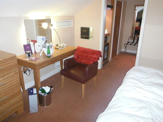 Crowne Plaza Chester: Small executive room
