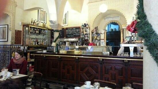 Cerveceria Giralda : Buen servicio, amabilidad