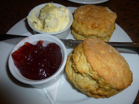 The Bridge Coffee Shop: Cream afternoon tea