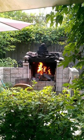 Colborne Guest House: Outdoor Fireplace