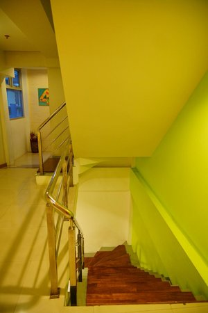 P2 Boutique Hotel: Stair way