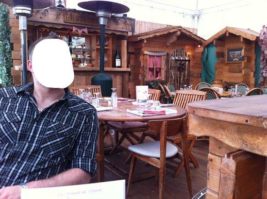 Le Chalet du Coucou: La décoration du Restaurant