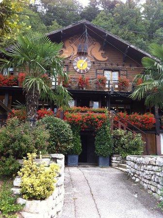 Le Chalet du Coucou: L'extérieur du Restaurant