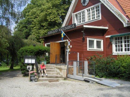 Ringsjo Krog & Wardshus: Hovedindgangen