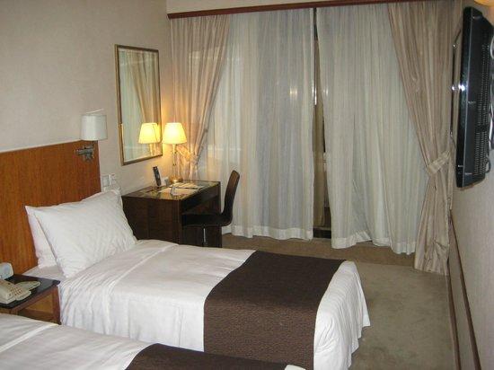 Island Pacific Hotel: 普通のベッドルーム
