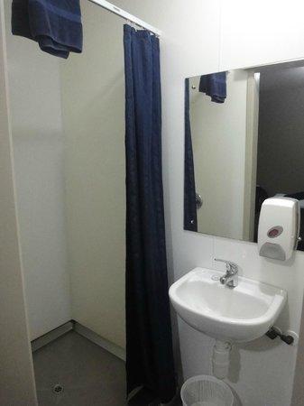 YHA Rotorua: bathroom # 30