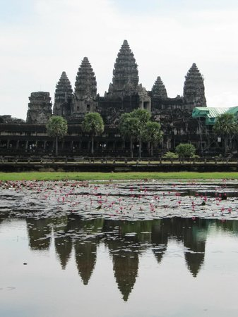 Angkor Tour Guide Pov - Private Day Tours