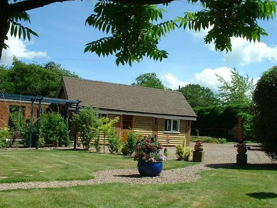 Little Boynes Holiday Cottages: The Byre 