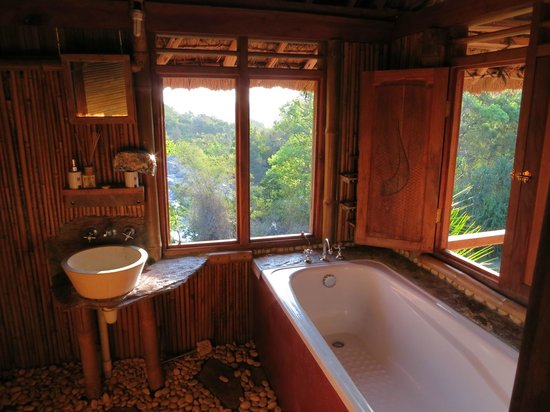 Viqueque, East Timor: Bathroom with view of the river