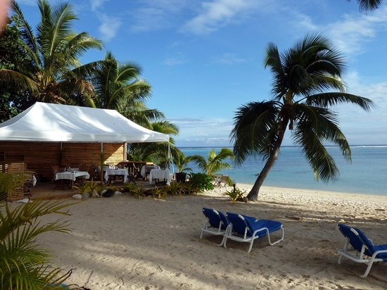 Moana Sands Beachfront Hotel & Villas: Sands restaurant beside the beach