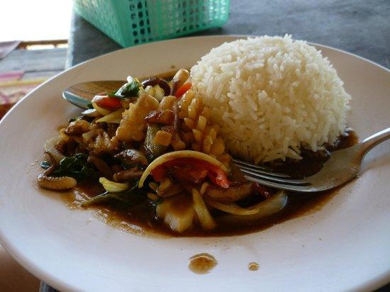 Green Garden Resort : PadThai Seafood