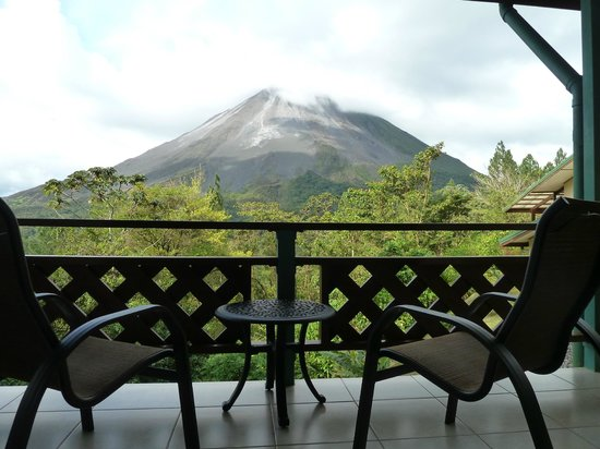 Arenal Observatory Lodge & Spa: Blick vom Smithsonian Zimmer