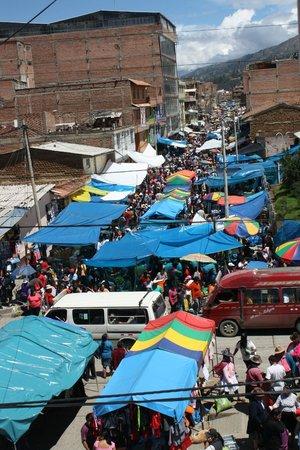 Akilpo Hostal: next to the market...