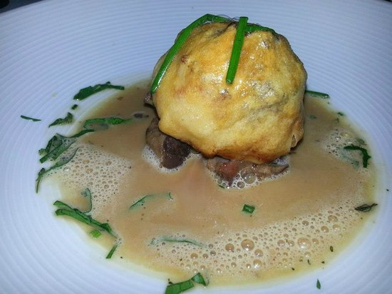Red Clover Inn & Restaurant: Sea Scallop En Croute with Red Wine Braised Oxtail in Truffle Emulsion