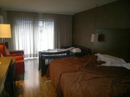 NH Hesperia Andorra la Vella: habitacion amplia