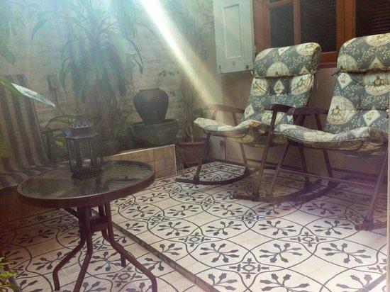 Baan Chantra: Private patio