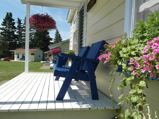 Atlantic View Motel & Cottages: Lily pond cottage