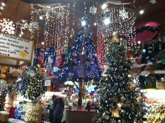 bronners christmas wonderland bronners christmas wonderland one of the many displays