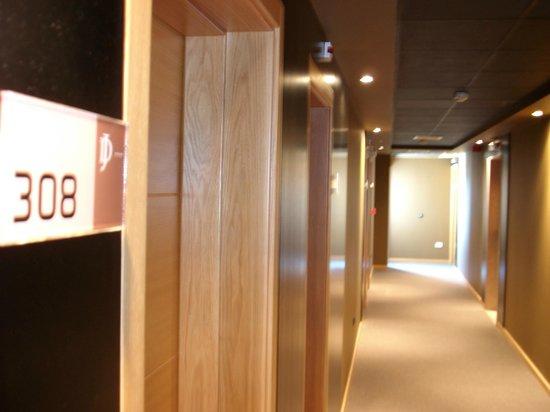Dom Joao Hotel: Corredor quartos
