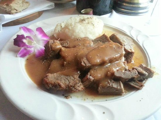 YE OLDE TAVERN: Ale Braised Pot Roast with Mashed Potatoes