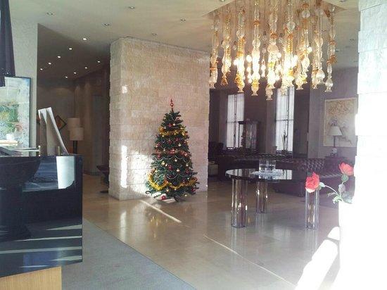 Century Hotel : Hall