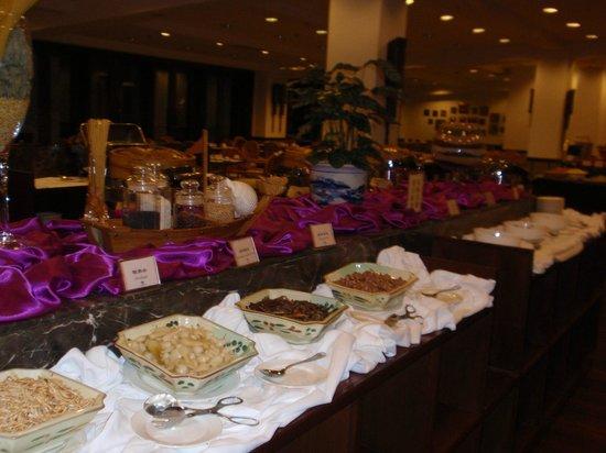 Merryland Resort Hotel: Breakfast