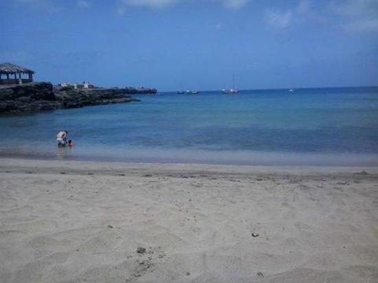 Pensao Mama - Lanchonete Mira Mar: Beach - bigger one