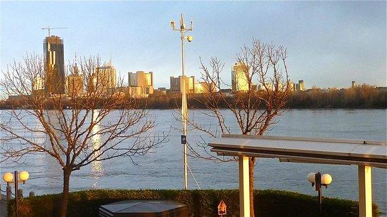 Hilton Vienna Danube Waterfront: au soleil
