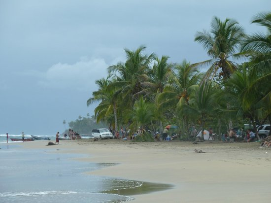 Cabinas Yamann: Strand am Wochenende