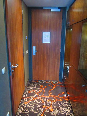 Hotel Golden Tulip Amsterdam West: Entry