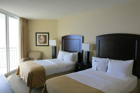 Doubletree by Hilton Ocean Point Resort & Spa: Double bedroom of 2 bedroom suite