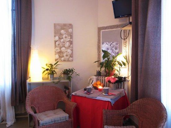La Violette: Room 2-4