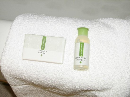 Magnuson Hotel Hattiesburg: Bath amenities