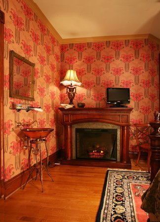 Historic Webster House: Signature Room Fireplace