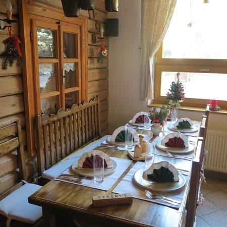Hotel Krym: Stylish restaurant Dedinka