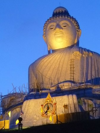 Den Store Buddha i Phuket: Big Buddha at sunset