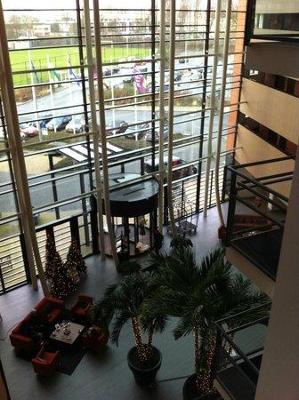 Van der Valk Hotel Rotterdam-Blijdorp: hall de l'hôtel depuis le 3ième étage